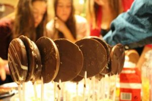 Party Choc lollies